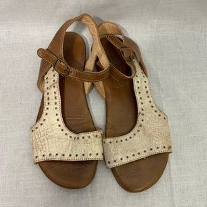 BedStu Contrast Sandals